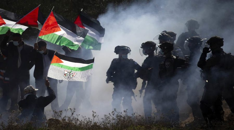 Human Rights Watch accuses Israel of apartheid over treatment of Palestinians