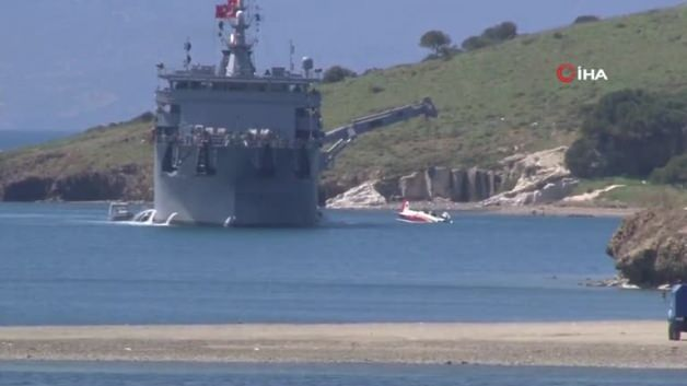 The wreckage of the military plane that crashed in Foça has been removed from the sea
