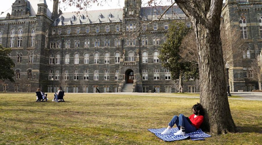 United States eases COVID-19 restrictions on Chinese students