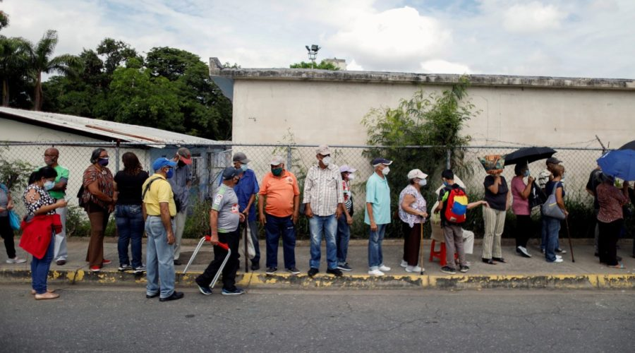 Venezuelans turned down for second vaccine due to vaccine shortage, groups warn