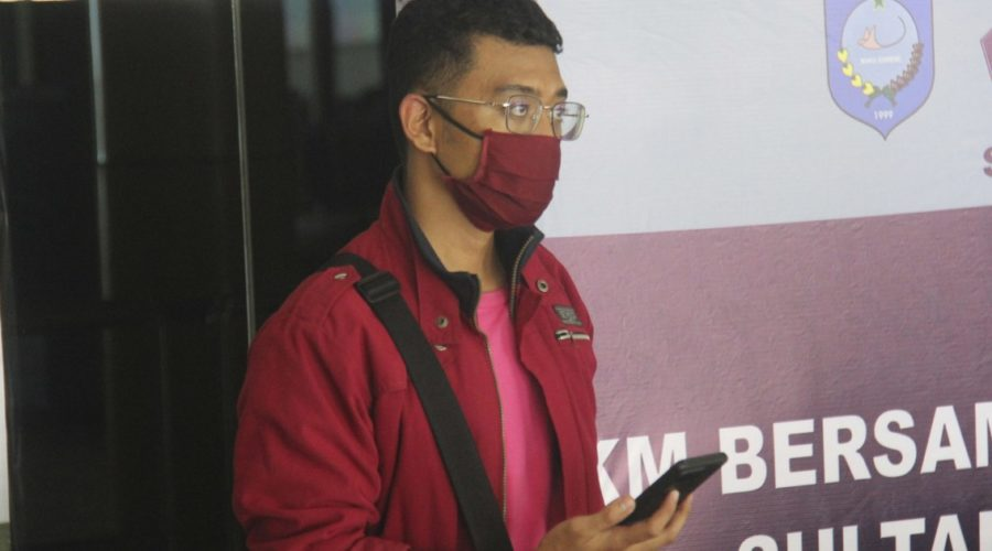 Covid-positive man boards flight disguised as wife to Indonesia amid pandemic wave
