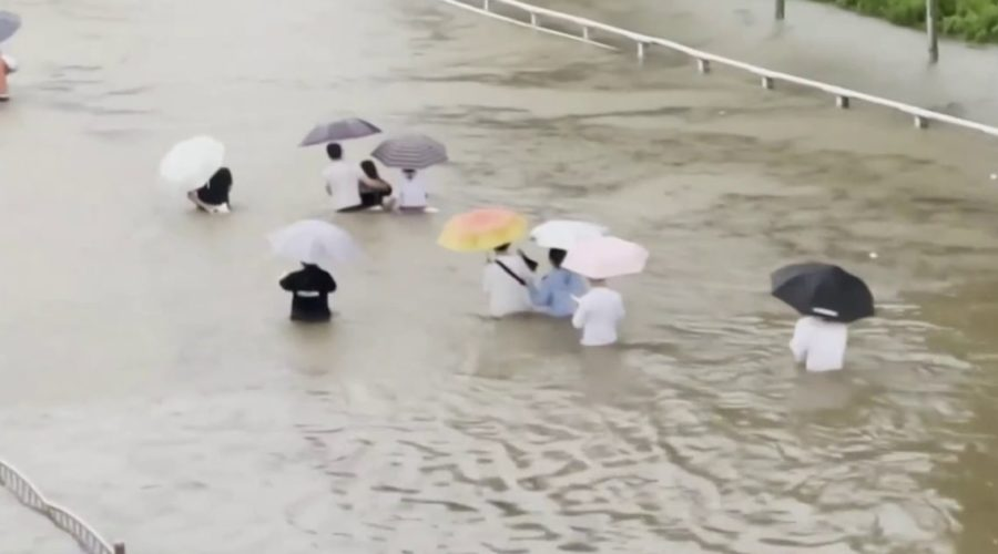 Deadly flooding in China leaves passengers trapped in subway cars