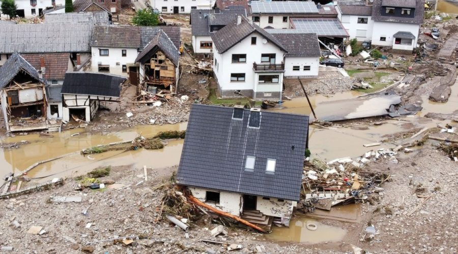 Dozens of dead, more than 1,000 could be missing after floods in Germany