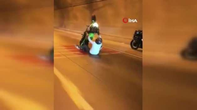 He was dragged for meters and experienced horror! Horrible accident on camera