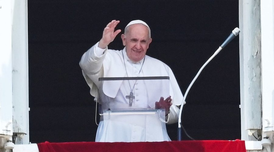 Pope Francis goes to Rome hospital for bowel surgery