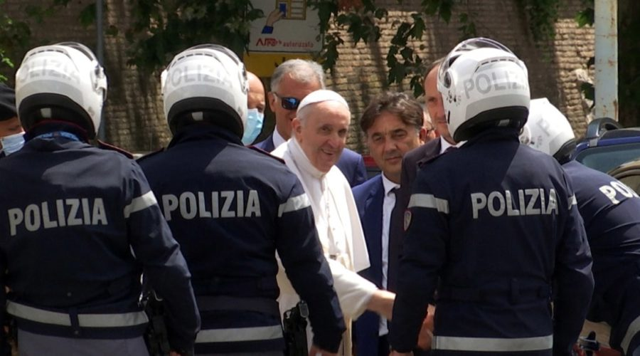 Pope Francis leaves hospital 10 days after operation