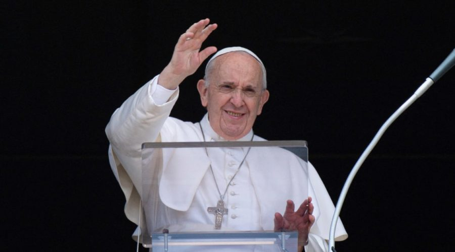 Pope prepares to deliver blessing on Sunday from Rome hospital