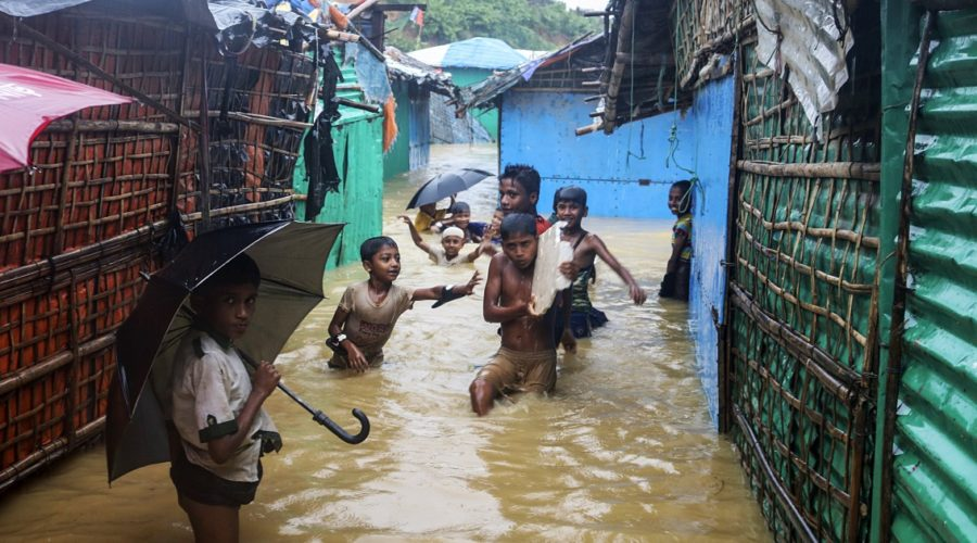 Thousands homeless due to flooding in Rohingya camps in Bangladesh